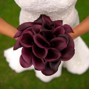 Deep-Divine-Calla-Lily-Bridal-Bouquet