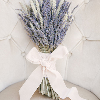 lavender-wedding-ideas-lavender-bouquet