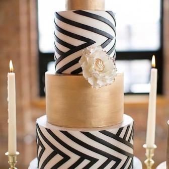 gold-and-black-triking-wedding-cake-designs